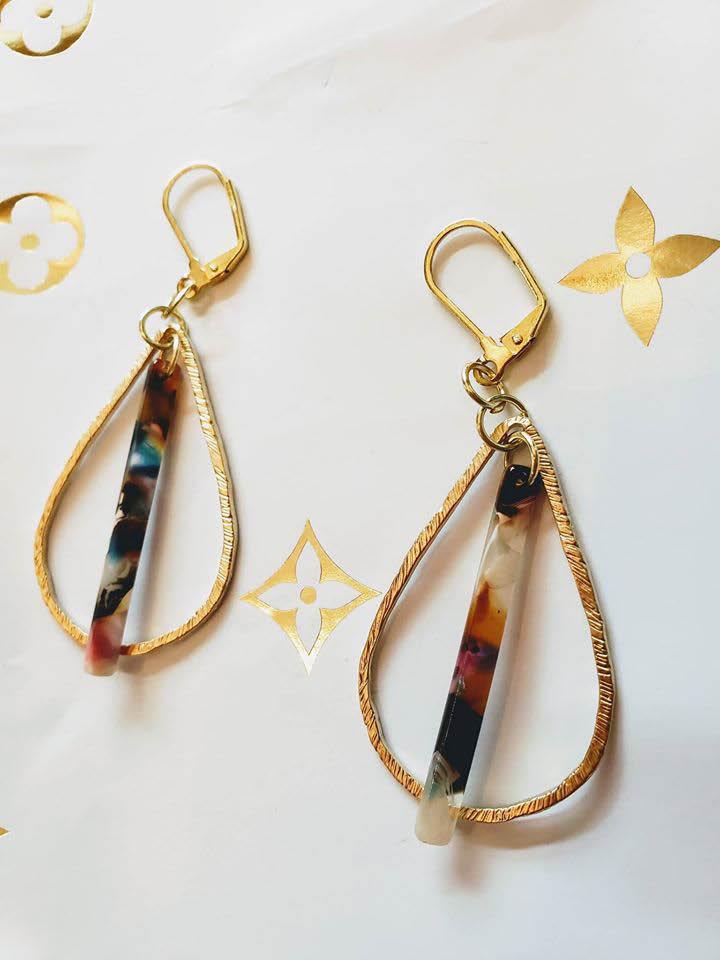 frame and hang studio gallery custom jewelry