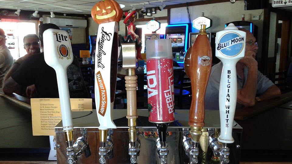 What's on tap at Dakota Inn Bar & Grill in Alsip,Il