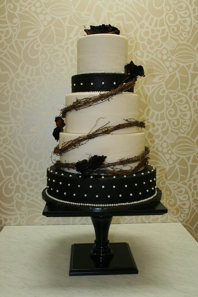 best cakes near me, wedding cakes near me, specialty cakes near me, baby shower cakes near me