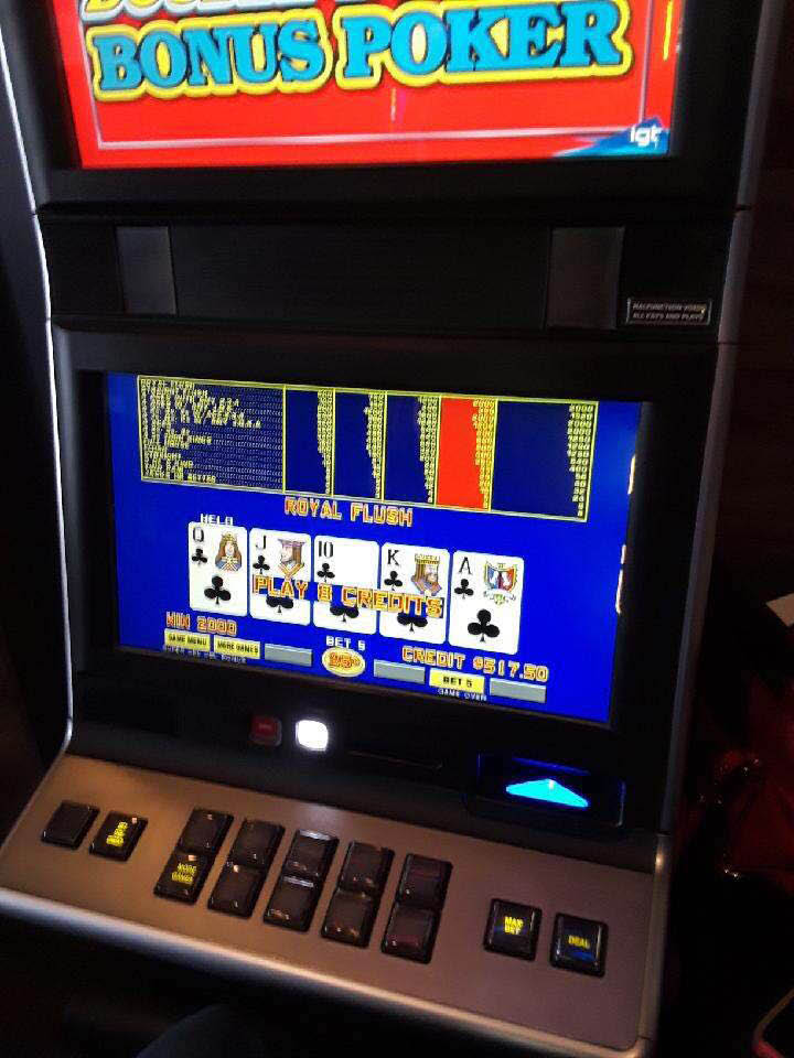Double Double Bonus Poker machine at Radni's Deli & Gaming.