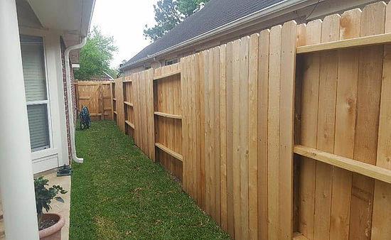 Sliding fence gate privacy near Hufsmith, TX