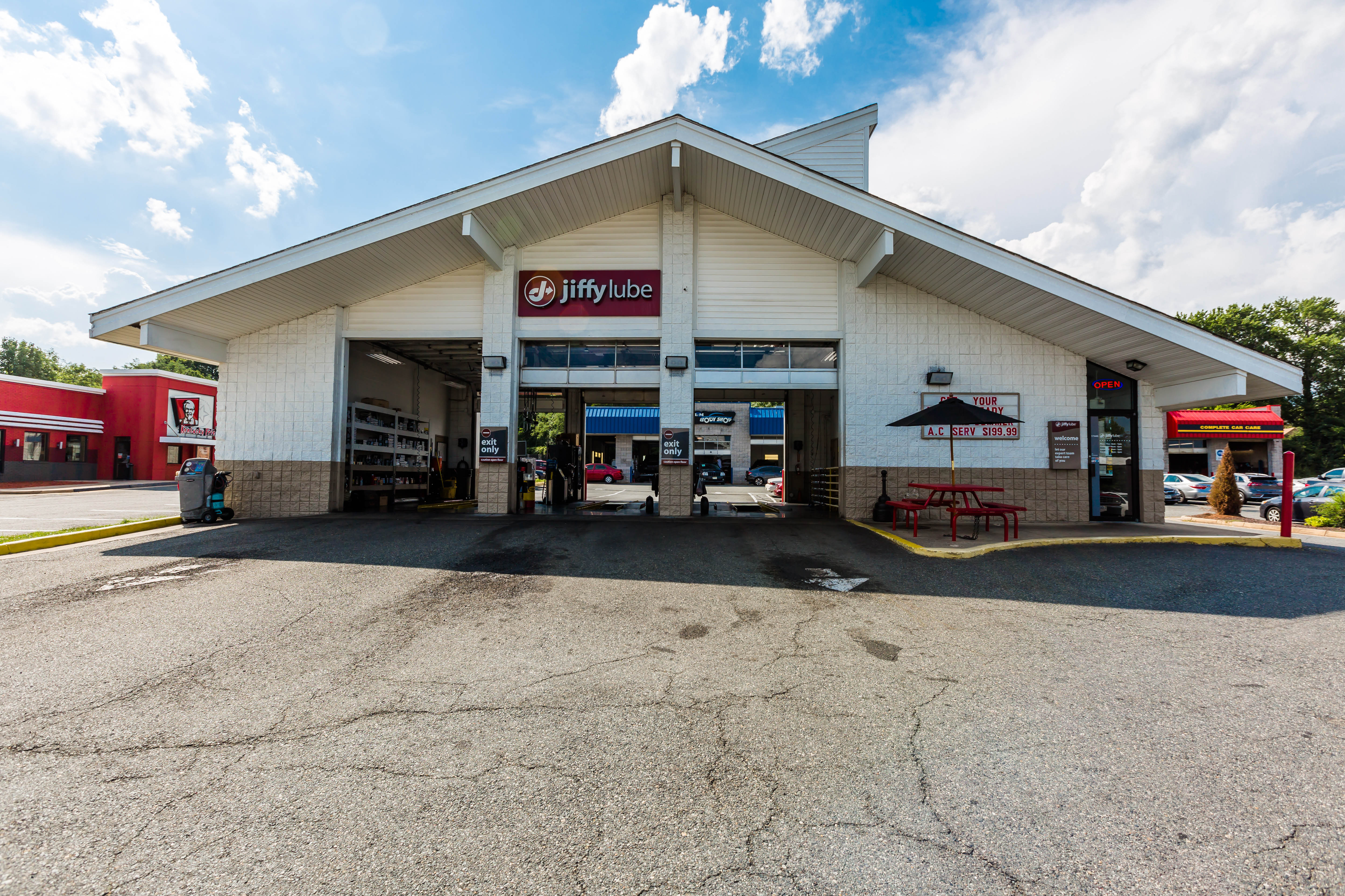 Visit Jiffy Lube in Dumfries or other Virginia Oil Change locations