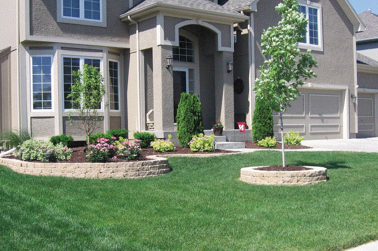 Nicely manicured yard with Earth Concepts Lawn Maintenance in Livonia, MI