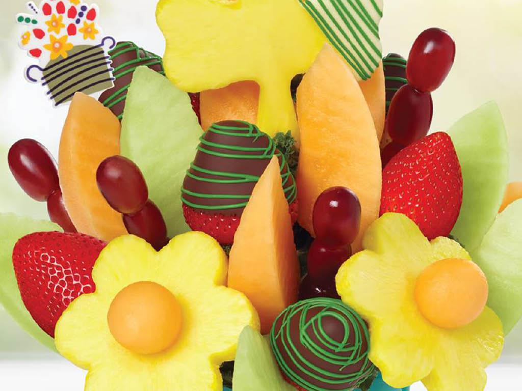 Edible Arrangements fruit basket