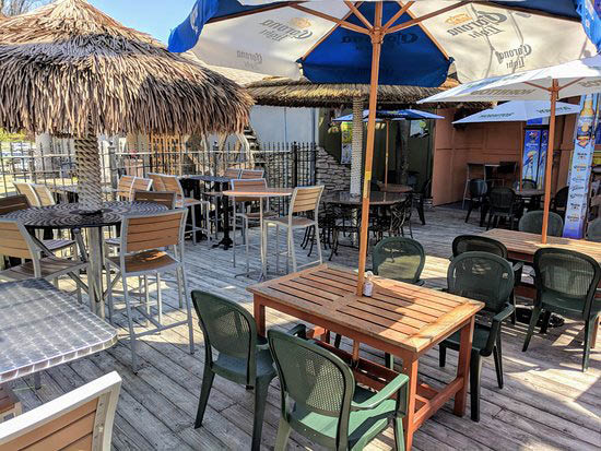 patio drink specials daily food