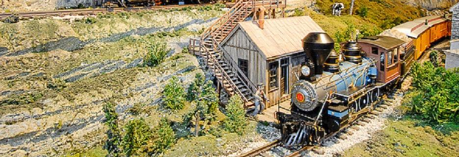 entertrainment junction model train display holiday family fun cincinnati ohio