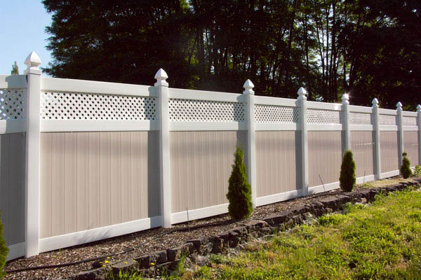 privacy fence,pvc fence,fencing,repair,back yard fence,