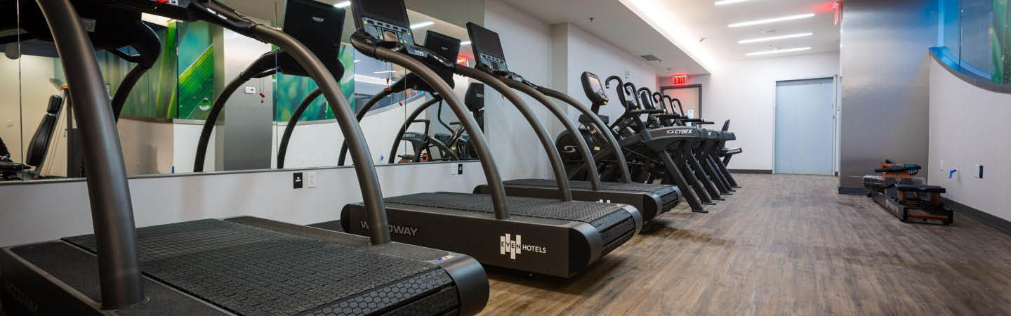 Fitness center in hotel near Council Bluffs