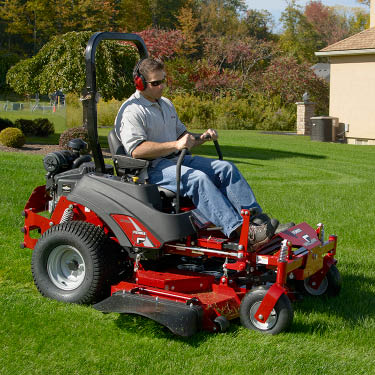Ferris zero turning mower, 27 hp Briggs & Stratton Commerical Turf Series engine, 61