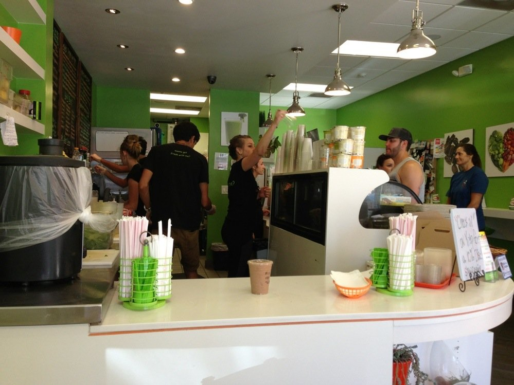 Visit the Fresh Juice Bar in Palm Desert