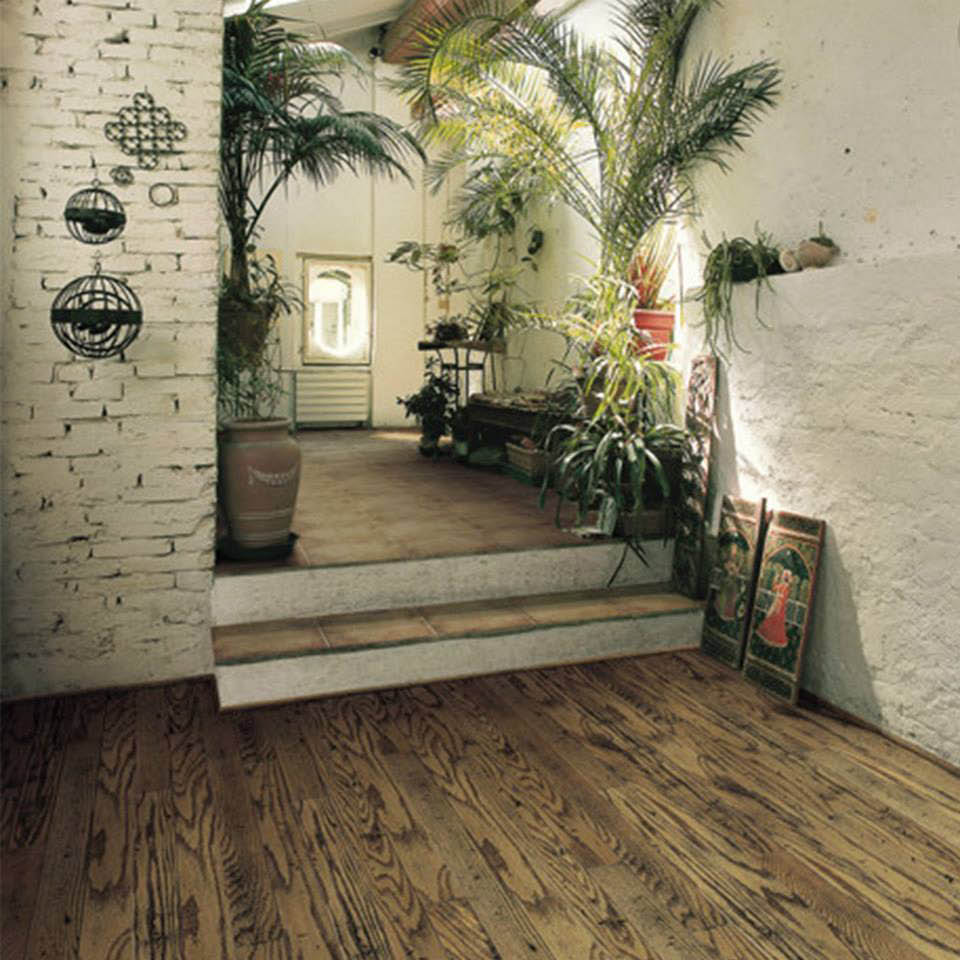 New hardwood floor installation service near Hawaii Kai