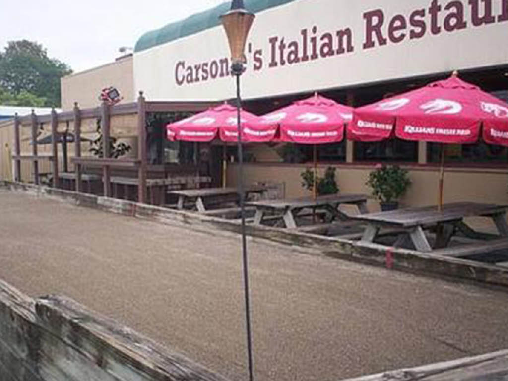Frank's Famous Stromboli's, Pizza & More outdoor seating