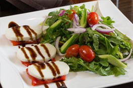 Salads with goat cheese and fresh dressings