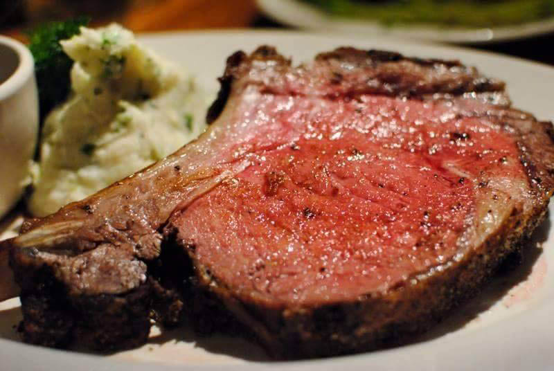 Enjoy steaks and chops at Gordon's in Harrisburg.