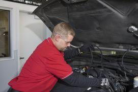 mechanic changing oil, Auto Body, Mechanic, Auto Shop, Car Repair, Car Shop,