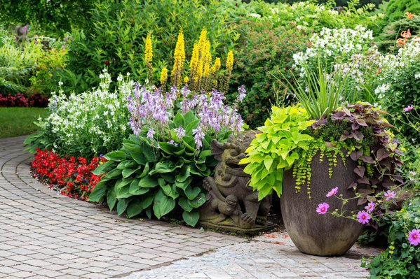 Beautiful Beds & Landscapes Designed by The Grounds Guys of Shawnee