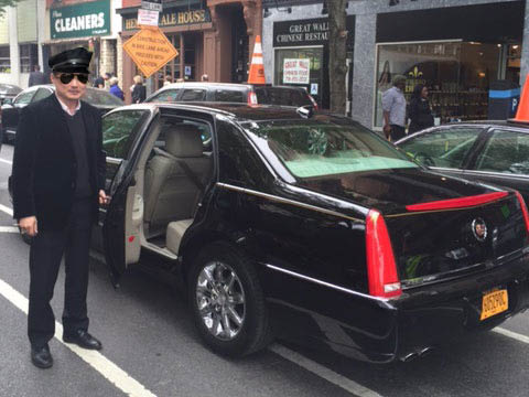 Car and limo service to LGA airport