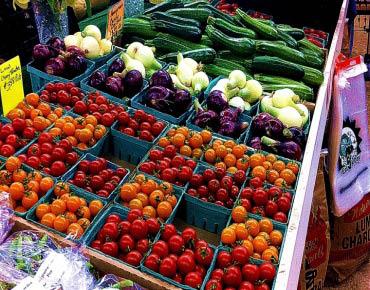 produce,fresh produce,tomatoes,carrots,lettuce,farmer market,lancaster county,