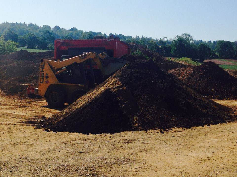 Huffer Trucking and Bulk Services in Frederick, MD mulch delivery