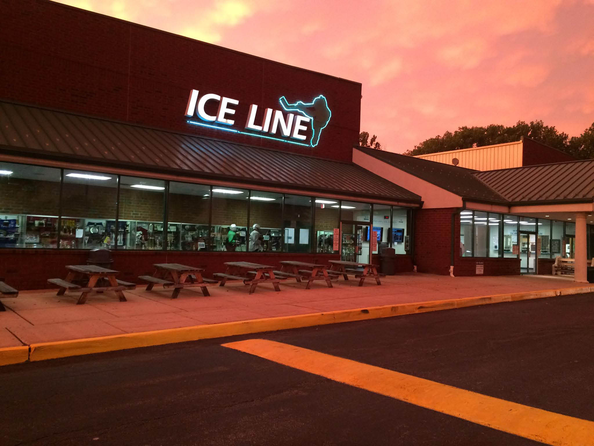 Ice Line Quad Rinks, West Chester PA, Skating Rink, Hockey league, skating lessons