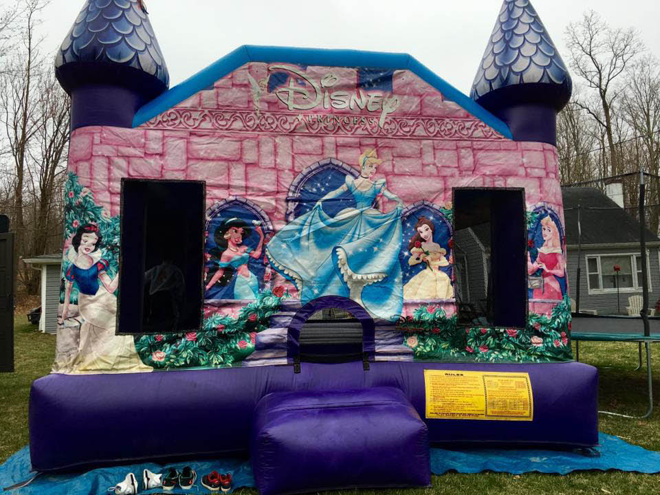 Rent a bounce house in Arlington, Spackenkill