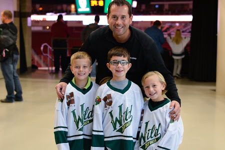 Fans of all ages enjoy AHL Hockey in Iowa