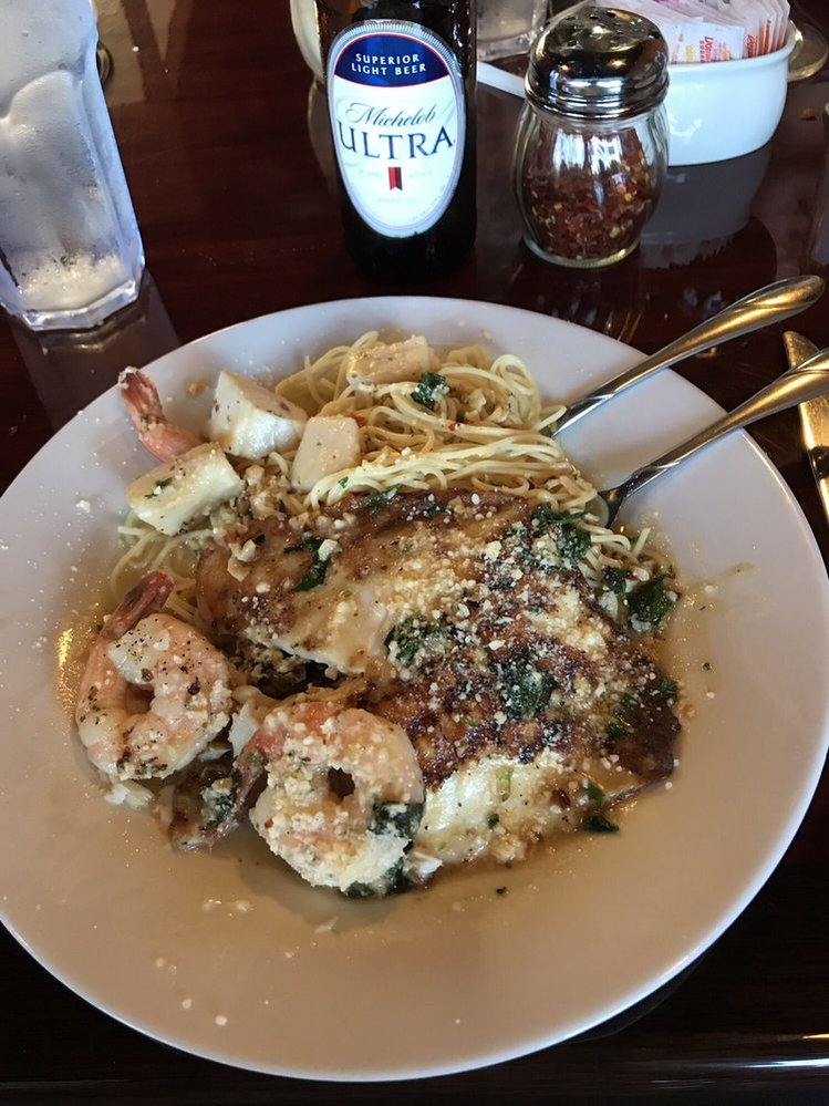 Ivett's Italian Grill entrees in League City, TX