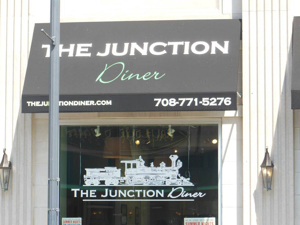 Junction diner restaurant exterior in Forest Park, IL