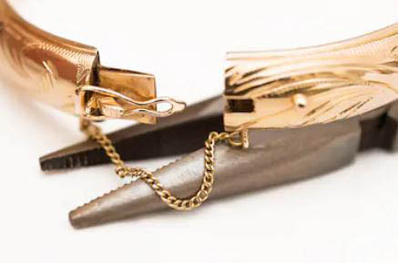 Jewelry repair, watch battery replacement, buy, sell, trade, gold, scrap metal woodbridge,va