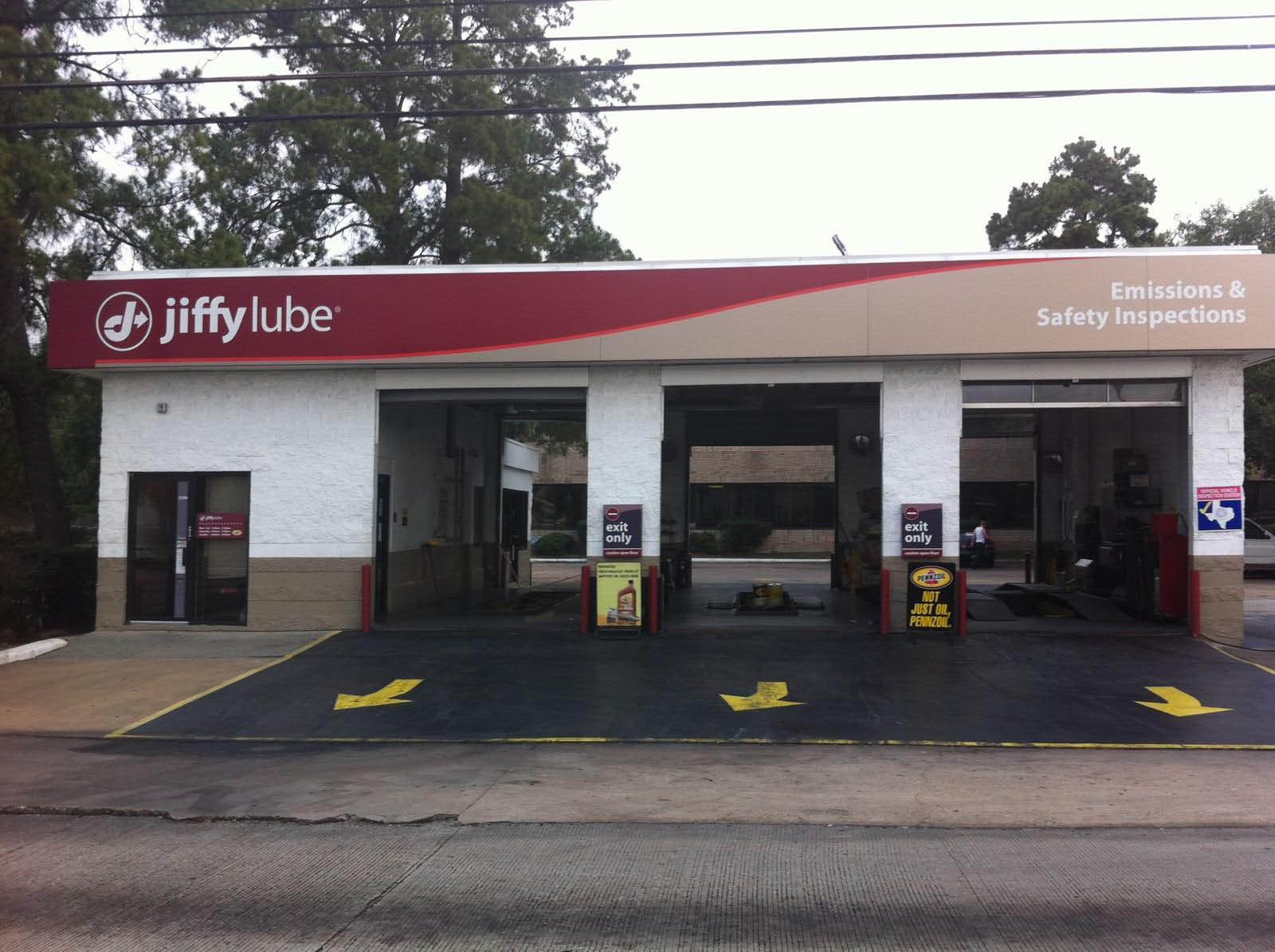 Use Jiffy Lube coupons for car repair at our Houston, TX auto shop