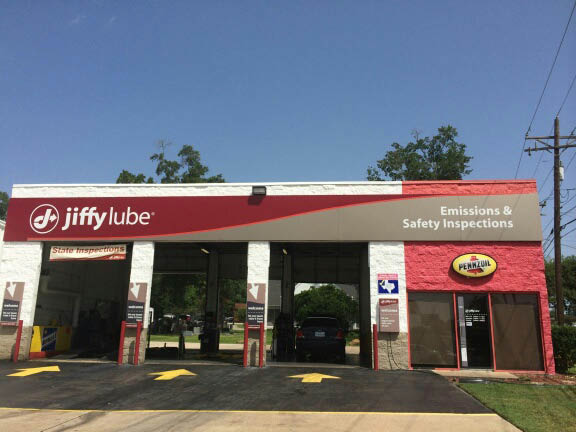 Three service bays at Jiffy Lube Conroe, TX SUVs are just one of the vehicles serviced at Jiffy Lube Conroe Texas