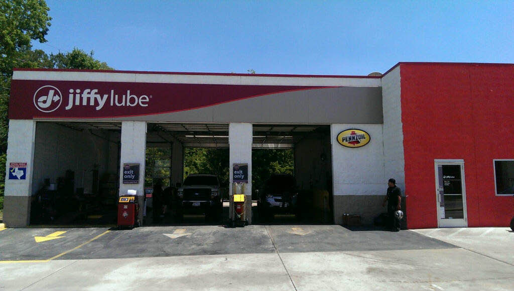 Jiffy Lube Missouri city TX auto service center for instant oil change service; oil change coupons; synthetic motor oil; synthetic blend motor oil; conventional motor oil brake coupon alignment coupon