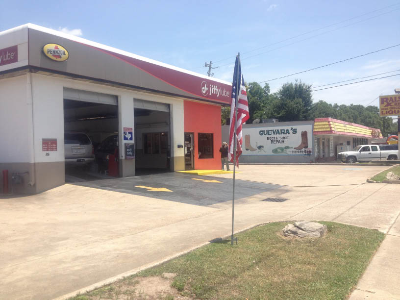 If you need affordable auto repair, visit Jiffy Lube in Houston, Texas on Uvalde Road