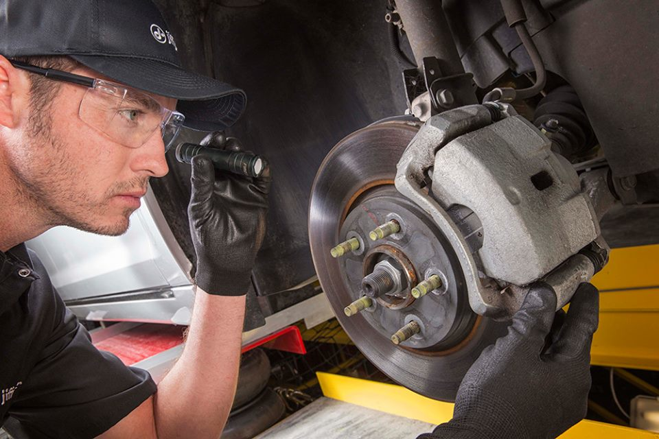 Yorkville Jiffy Lube offers brake repair services