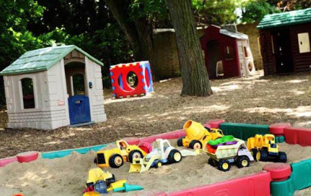 photo of outside sand box at JTOTs in Farmington Hills, MI