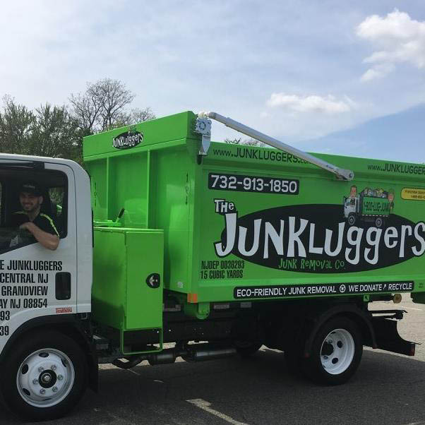 Junk removal, eco friendly junk removal, garbage, furniture removal, appliance removal, moving, moving process, removal, junkluggers, gotjunk, junk truck, 1-800-Got-junk, itex, mattress removal, moving company