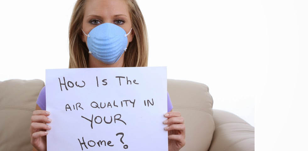 woman wearing face mask to protect against dirty air