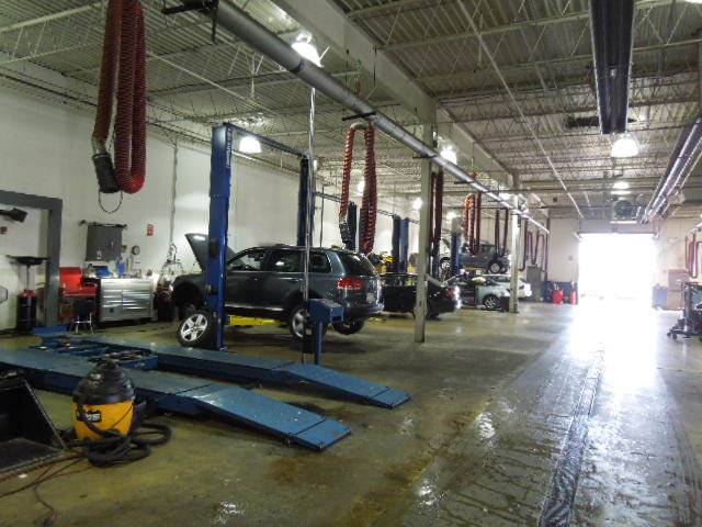 Service bays for auto repairs at Liberty Auto Plaza