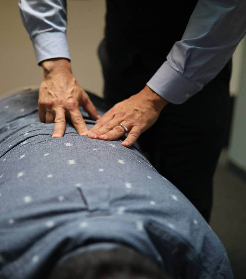 back-adjustment-chiropractic-live-well