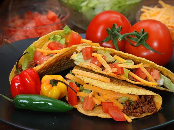 Los Amigos Mexican Restaurant tacos
