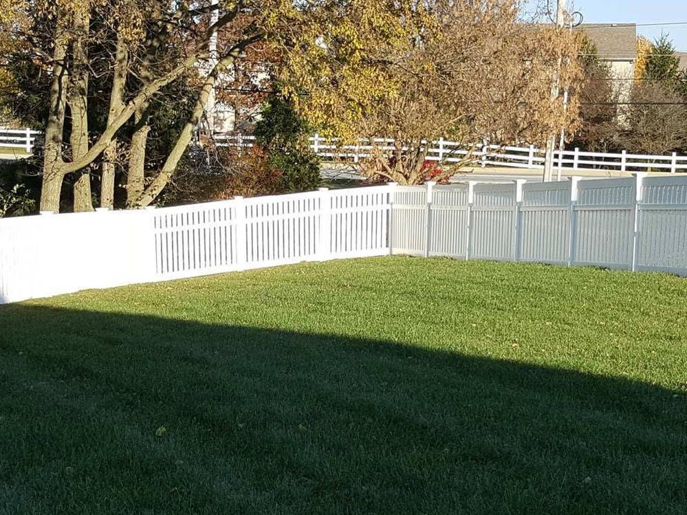 Mae Fence vinyl fence