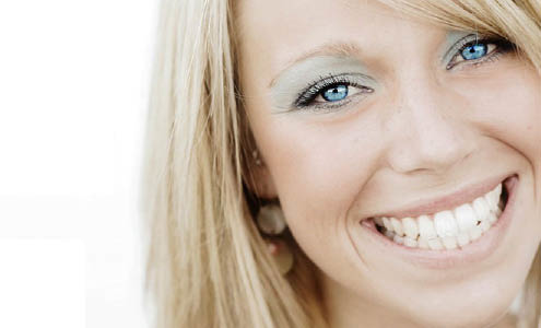 Get teeth whitening in Encino, CA
