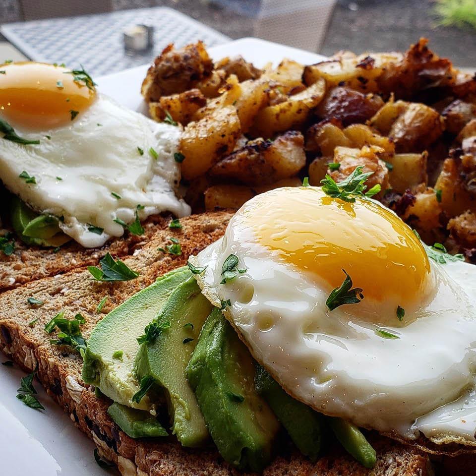 breakfast mana potatoes egg avocado