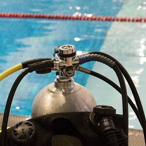 Scuba tank with hook-up ready for scuba diving lessons in New York