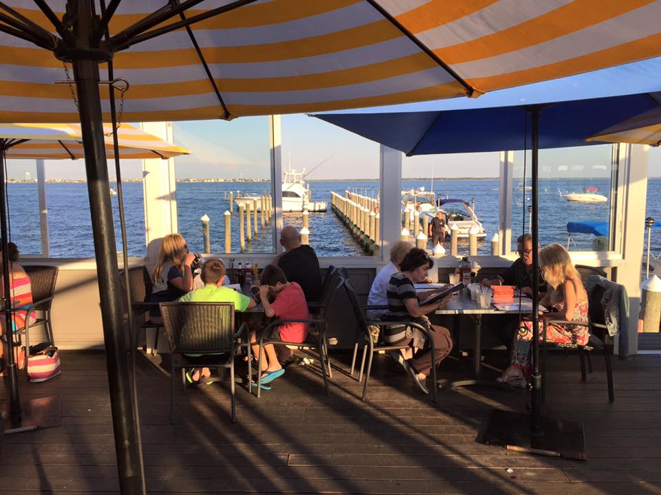 Family-Friendly-Waterfront-Dining-Martell's-Water's-Edge