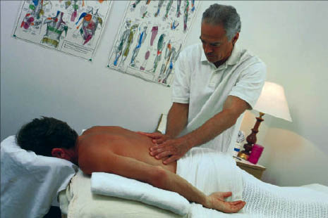 local chiropractor specializing in Massage Therapy. Rasmussen Chiropractic of New Albany, IN is just outside Louisville