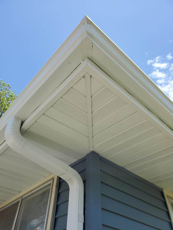New Soffit, Fascia, and gutters exterior work MKE Remodeling
