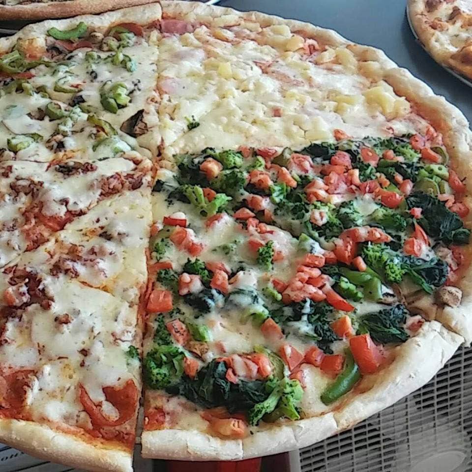 Vegetable, Hawaiian, pepperoni and green pepper combination pizza