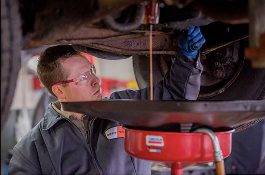 New Berlin Car Services oil changes