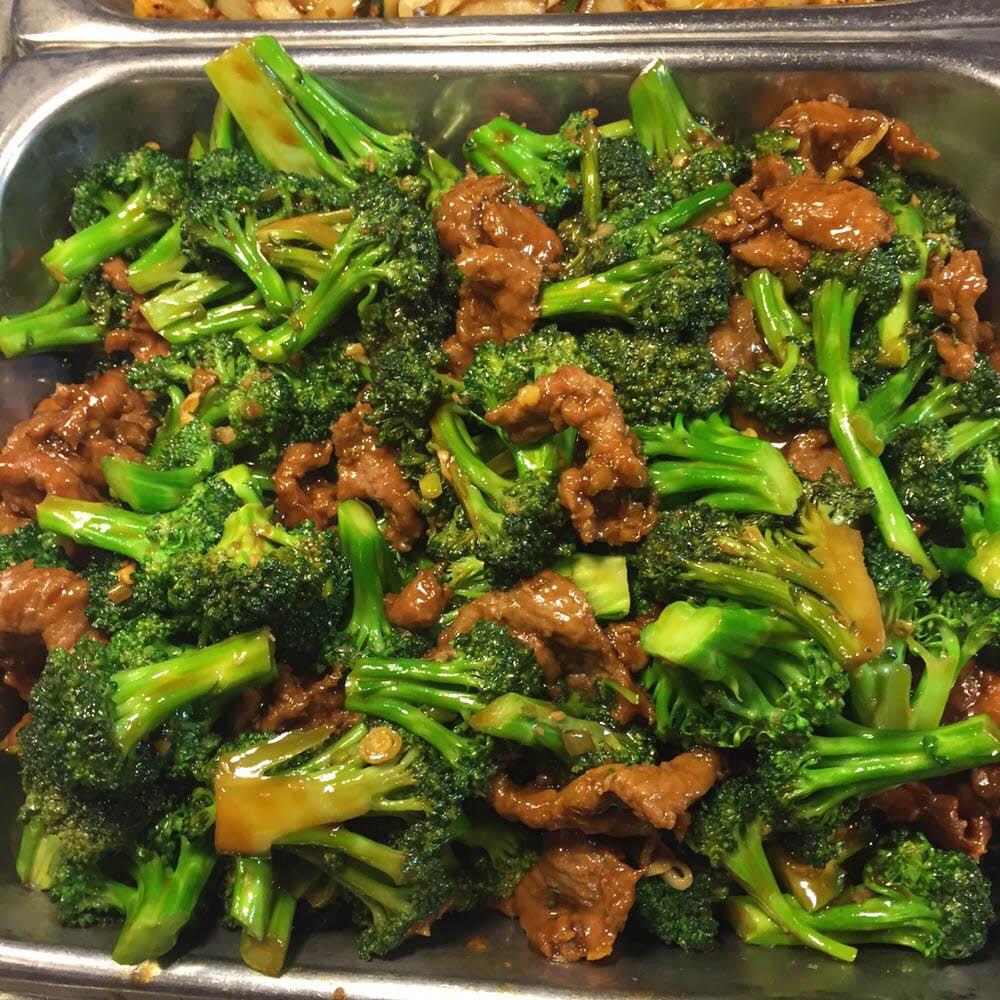 Delicious beef and broccoli at New Century Buffet in El Cajon, CA.
